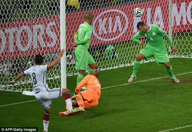 Our Mesut Özil secures the win for Germany.